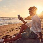 """Nouvelle liseuse Kindle Oasis, Résistante à l'eau, Écran haute résolution 7"""" (17,7 cm) 300 ppp, 8 Go Wi-Fi de la marque Amazon image 3 produit"""